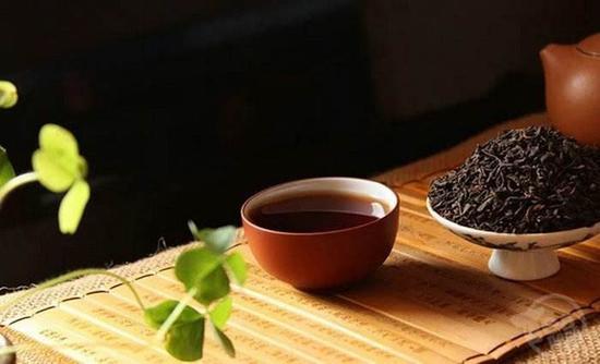 """为何普洱茶在收藏界会陷入""""吸金""""困境"""